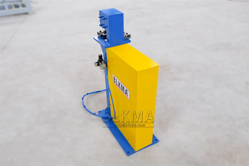 Pneumatic Angle Shearing Machine